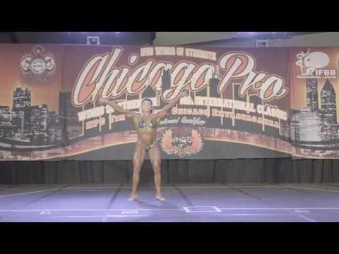 Heavyweight Marcela Venegas Posing Routine