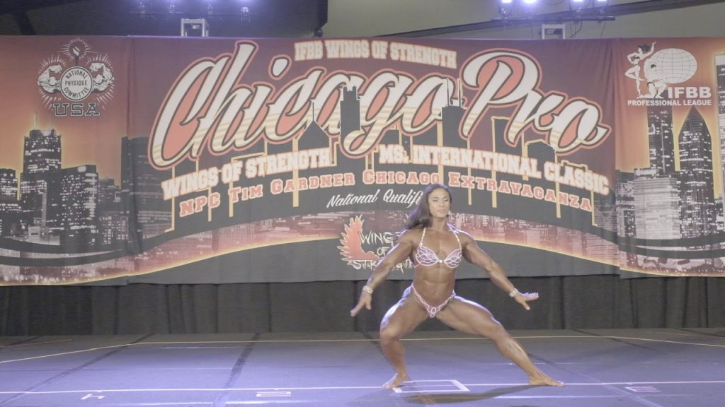 Heavyweight Kristina Mendoza Posing Routine